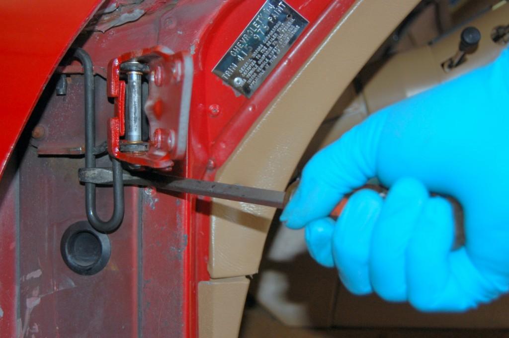 1968-82 Corvette Door Hinge and Window Repair   CC Tech