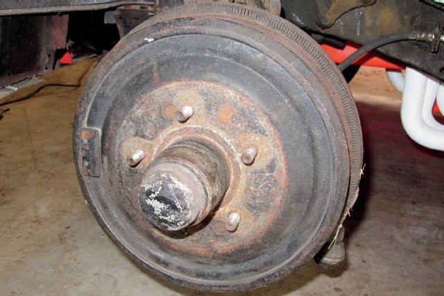 1958-chevrolet-corvette-brakes-4
