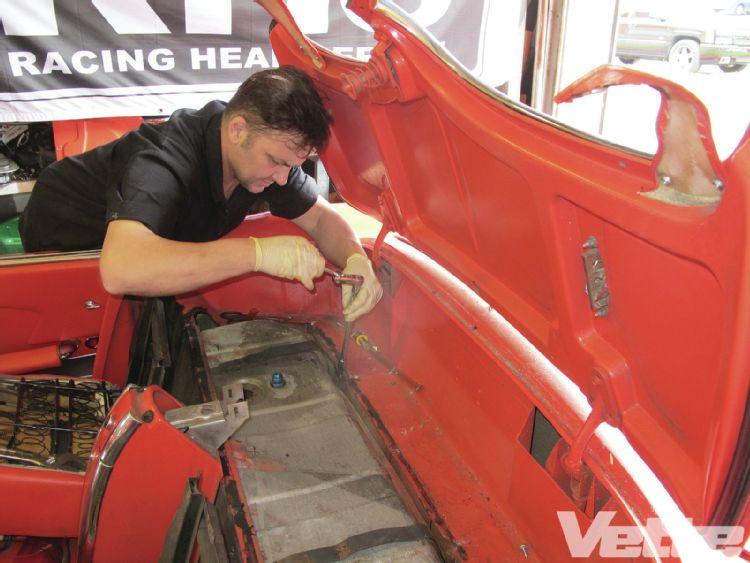 vemp-1303-06-corvette-central-deluxe-gas-tank-kit-tank-bolts