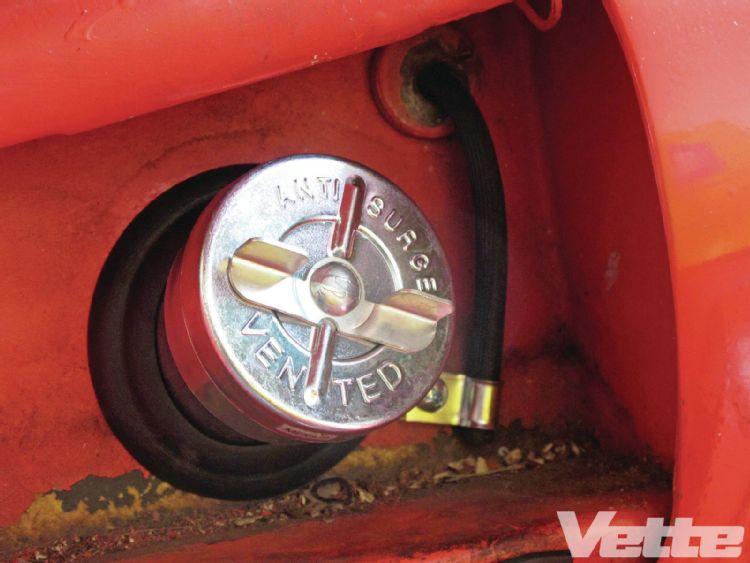 vemp-1303-15-corvette-central-deluxe-gas-tank-kit-fuel-cap
