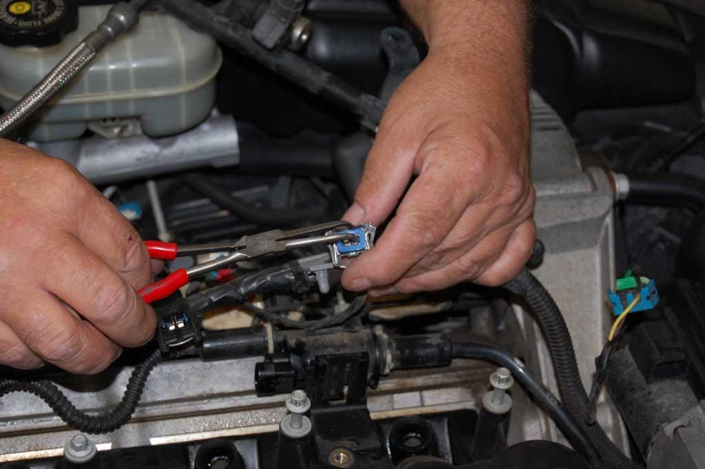 C5-Oil-Pressure-Sensor-Replacement-011