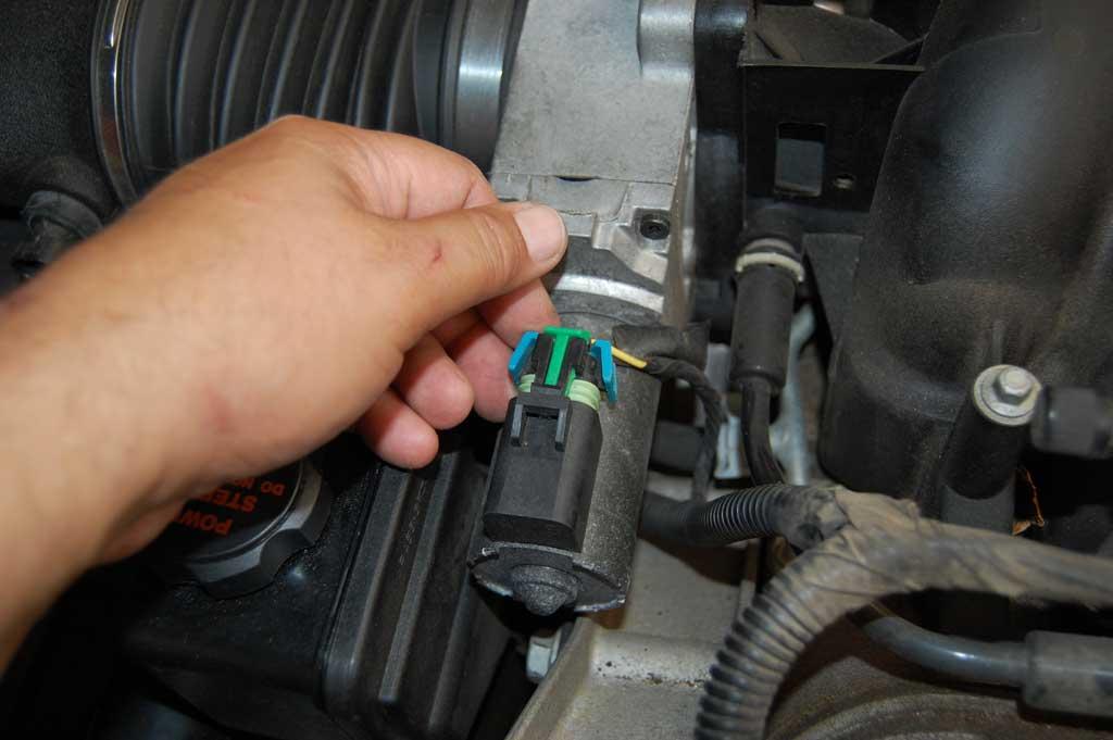 C5-Oil-Pressure-Sensor-Replacement-03