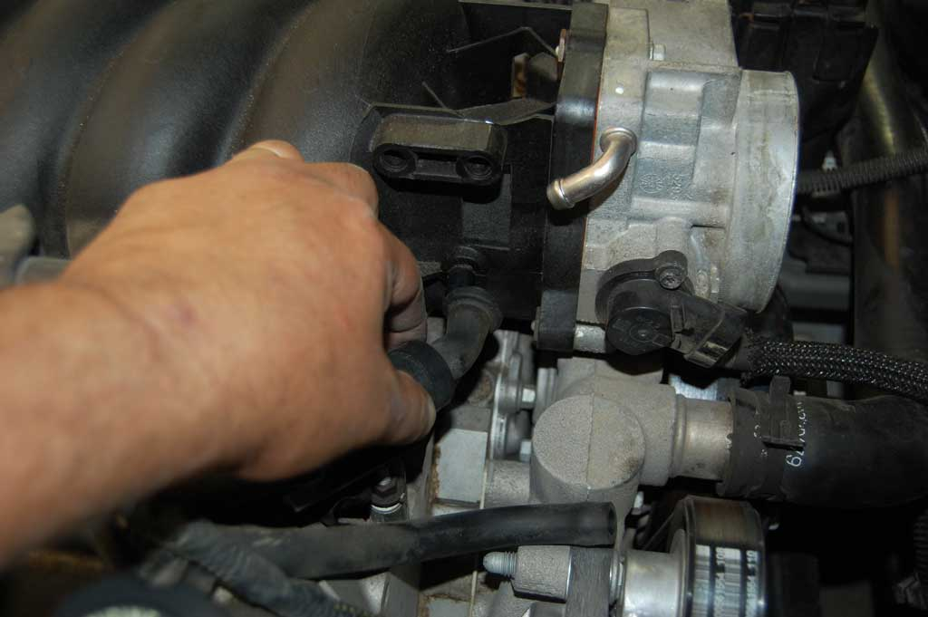 C5 Oil Pressure Sending Unit Replacement | CC Tech