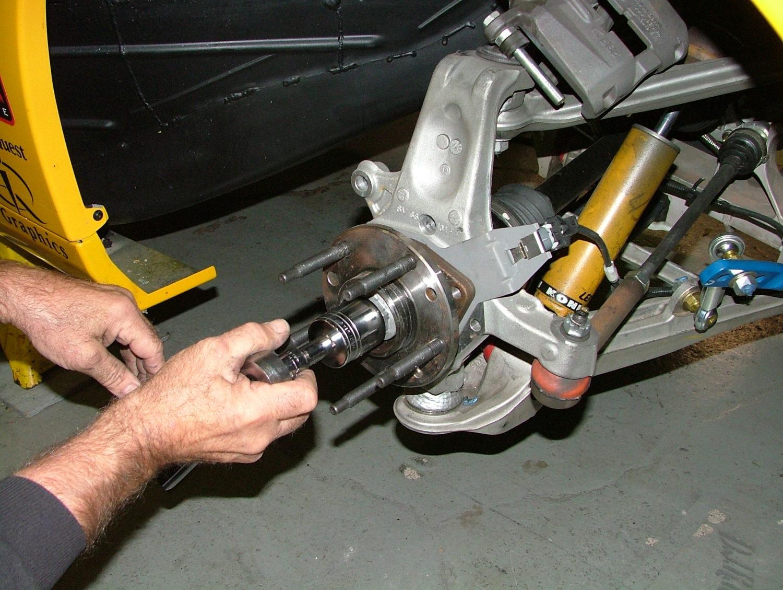 Corvette C5, C6 & C7 Wheel Bearing Installation | CC Tech